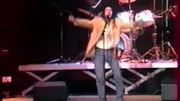 """1997 – Jam Laïque chante """"Oubliez la nationalité"""" à Revelation"""