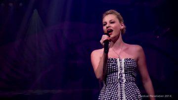 2014 – Emily Scheibel chante au festival Révélation