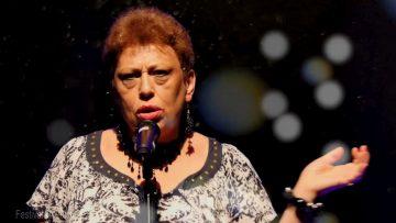 """2019 – Sylviane chante """"Entre nous et le sol"""" à Révélation"""